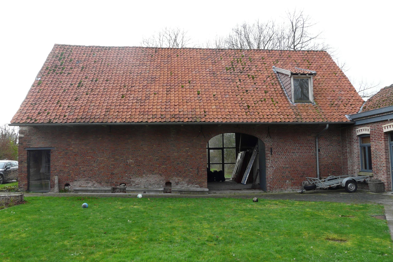 R novation d 39 une ferme comines amiot arnoux architectes for Architecte renovation ferme